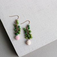 グリーンとピンクのピアス -glitt Handmade-