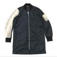 <img class='new_mark_img1' src='//img.shop-pro.jp/img/new/icons50.gif' style='border:none;display:inline;margin:0px;padding:0px;width:auto;' />90210 Black Beverly Hills Bomber JKT / Gold Snake