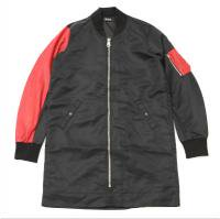 <img class='new_mark_img1' src='//img.shop-pro.jp/img/new/icons15.gif' style='border:none;display:inline;margin:0px;padding:0px;width:auto;' />90210 Black Beverly Hills Bomber JKT / Matte Red Snake