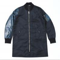 <img class='new_mark_img1' src='//img.shop-pro.jp/img/new/icons15.gif' style='border:none;display:inline;margin:0px;padding:0px;width:auto;' />90210 Black Beverly Hills Bomber JKT / Blue Snake�