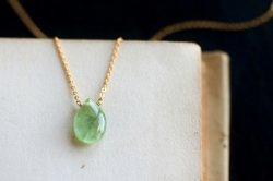 グリーンカイヤナイトの一粒ネックレスa
