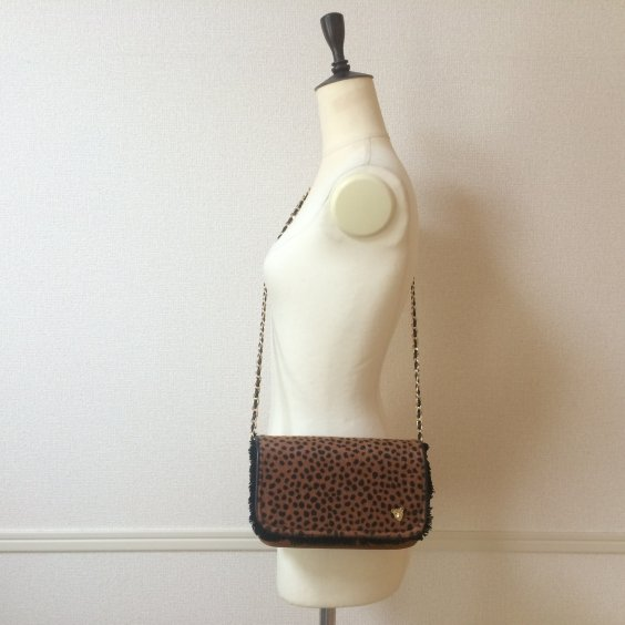 <img class='new_mark_img1' src='//img.shop-pro.jp/img/new/icons47.gif' style='border:none;display:inline;margin:0px;padding:0px;width:auto;' />【pom AMSTERUDAM】Furry Leopard BAG