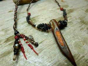 赤珊瑚埋込、ツノタイプ流木ネックレス