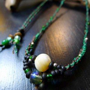 夜光貝とグリーンフラッシュオーラのネックレス