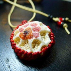 赤珊瑚埋込マクラメ仕様