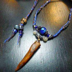 流木とホタルガラスのネックレス
