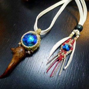限定蛍ガラスと流木の鹿皮仕様ネックレス