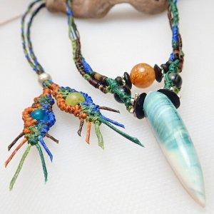 夜光貝とゴールドルチルのデザインネックレス