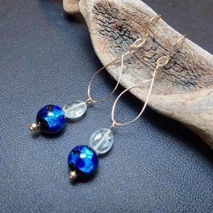 14KGF ホタルガラスと宝石質アクアマリンの手曲げピアス