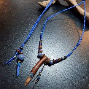 青珊瑚埋込流木ネックレス