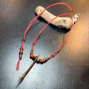 ちょっと大きいサイズの流木ネックレス(赤さんご)