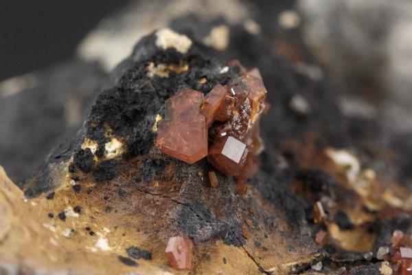 バナジナイト 原石 68g