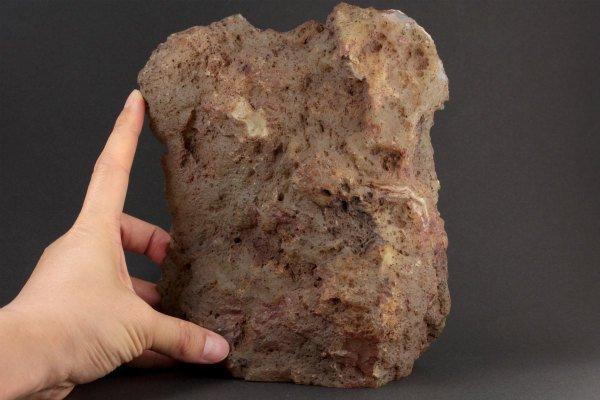 カーネリアン 原石 一面磨き 1.8kg