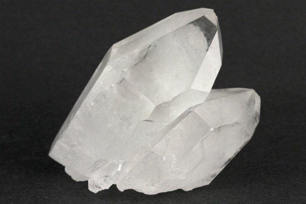 細長結晶 水晶 クラスター 241g