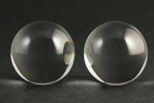 右水晶・左水晶 丸玉 18mmセット