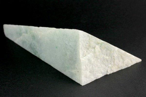 ミャンマー産 翡翠 原石 454g