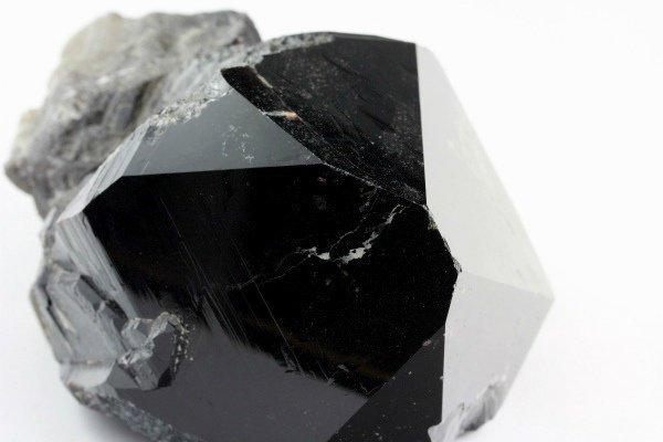 蛭川産黒水晶 原石 1.36kg