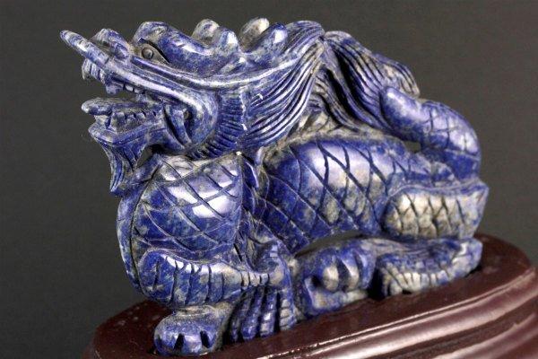ラピスラズリ 龍の彫刻 143g