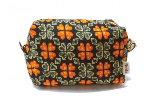 アフリカ布キテンゲ ポーチ 21コロコロスクエア・ファスナー(ブラック)ふわふわ中綿入り『ニッポンの技×アフリカの色』
