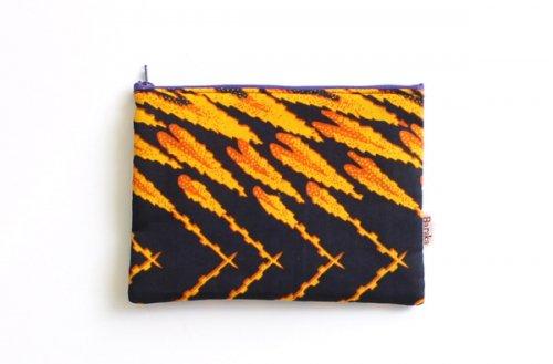 アフリカの布キテンゲ 平ポーチ 中1 (オレンジ)ふわふわ中綿入り大中小 3サイズ展開