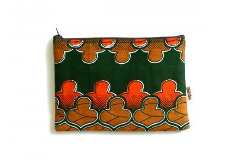 アフリカの布キテンゲ 平ポーチ 中5 (グリーン)ふわふわ中綿入り大中小 3サイズ展開