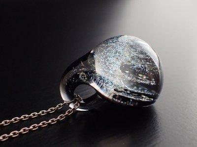 ギベオン隕石 惑星ペンダントトップ 月(ブラック)1