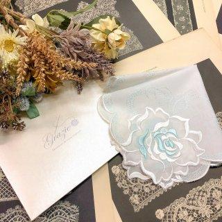 バラ刺繍ハンカチ【シルキーローズ】ホワイト×ブルー