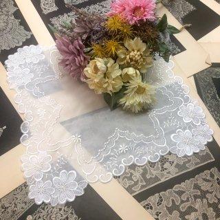 可愛さ最上級ファッションレースハンカチ【マーガレット】ホワイト