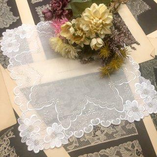 可愛さ最上級ファッションレースハンカチ【マーガレット】ホワイト×ホワイト×シルバー