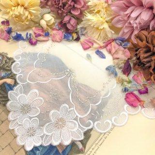 可愛さ最上級ファッションレースハンカチ【マーガレット】ホワイトシルバー