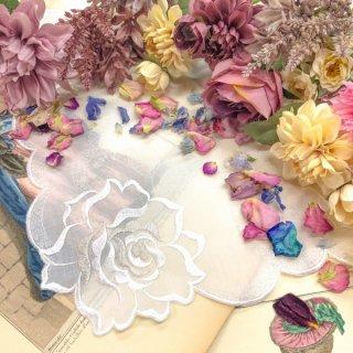 バラ刺繍ハンカチ【シルキーローズ】ホワイト×シルバー