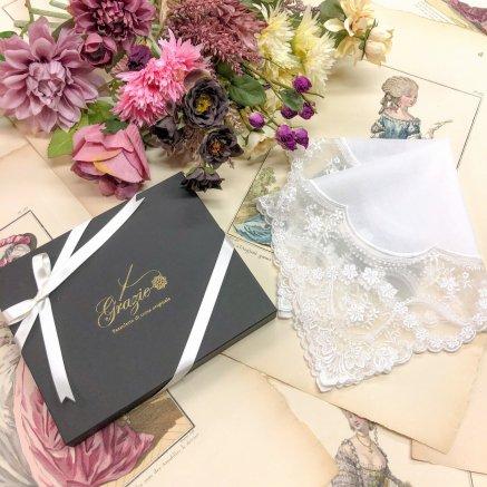 美しい透け感のチュールレースハンカチ【マリー・リュークス】