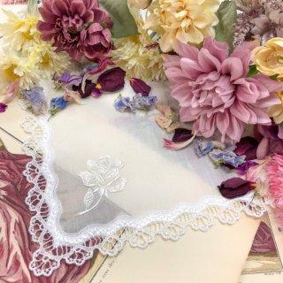 シンプル刺繍ハンカチ【Julie ジュリー】ホワイト