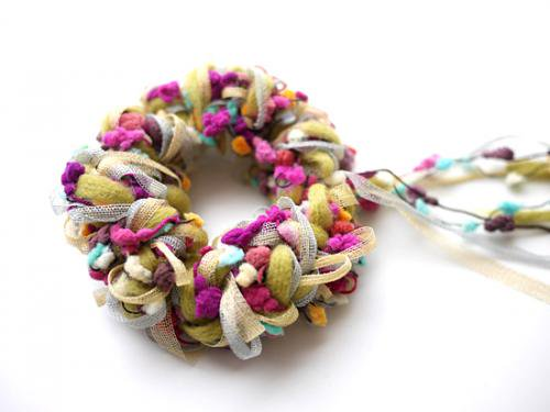 カラフルな毛糸のアヴリル糸 , ヘアアクセサリー、手作りシュシュの通販【mouton(ムートン)】