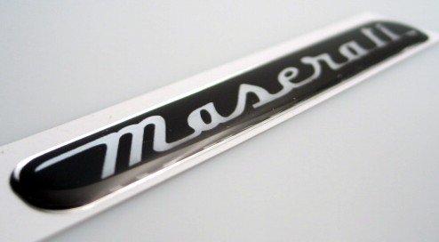 マセラティ 92.5×15mmブラック 3Dステッカー