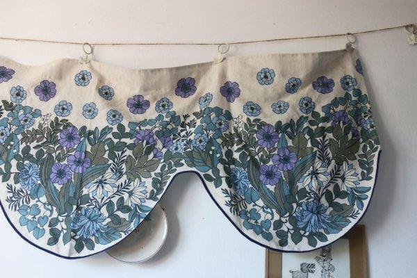 野ばら、菊、すずらんのカーテン