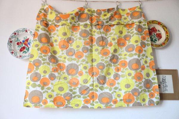 パステル色の丸いお花のカーテン