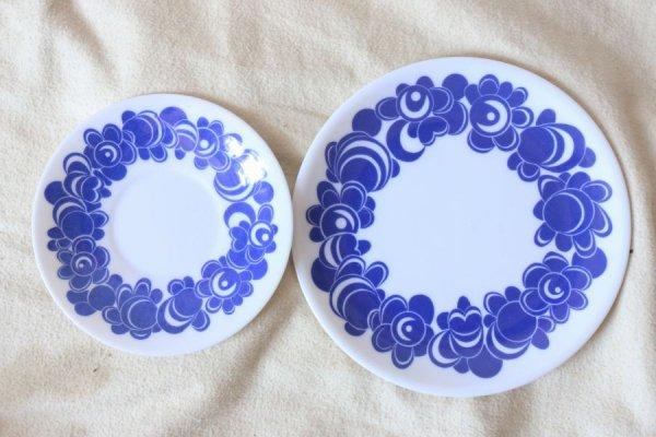 藍色のお花のプラスティック・プレート