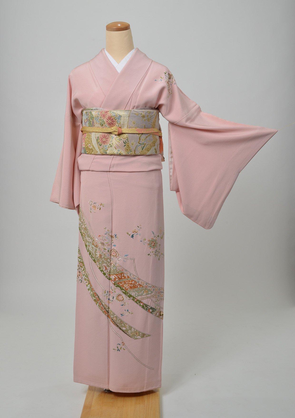 6. レンタル着物/ピンク色に相良刺繍 訪問着