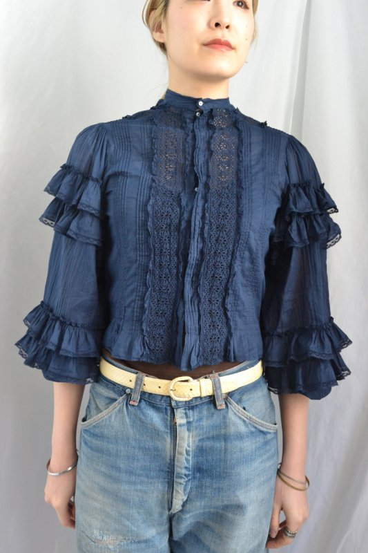 <img class='new_mark_img1' src='http://lara-vintage.shop-pro.jp/img/new/icons8.gif' style='border:none;display:inline;margin:0px;padding:0px;width:auto;' />1880's France antique navy lace blouse