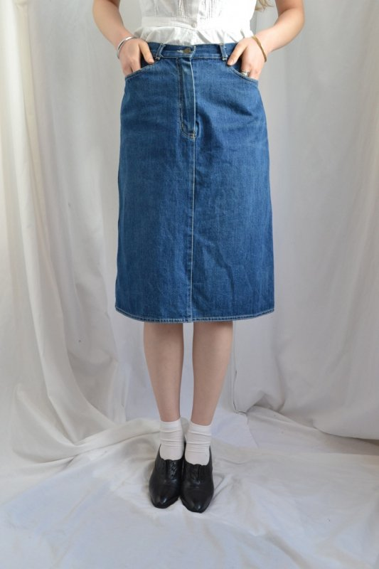 <img class='new_mark_img1' src='http://lara-vintage.shop-pro.jp/img/new/icons8.gif' style='border:none;display:inline;margin:0px;padding:0px;width:auto;' />vintage indigo blue denim skirt