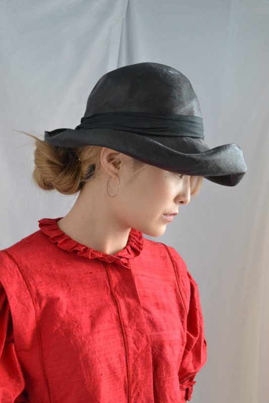 <img class='new_mark_img1' src='http://lara-vintage.shop-pro.jp/img/new/icons8.gif' style='border:none;display:inline;margin:0px;padding:0px;width:auto;' />1930's antique black straw hat