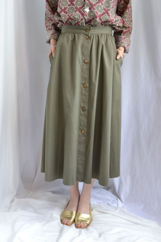<img class='new_mark_img1' src='http://lara-vintage.shop-pro.jp/img/new/icons8.gif' style='border:none;display:inline;margin:0px;padding:0px;width:auto;' />Vintage khaki cotton flare skirt