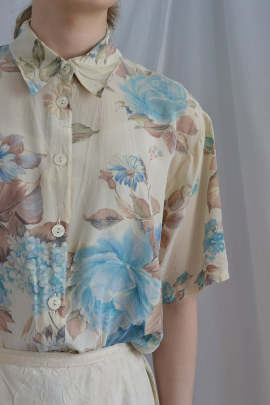 Vintage flower pattern silk blouse