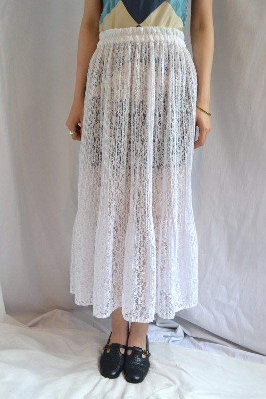 Vintage white lace see‐through skirt