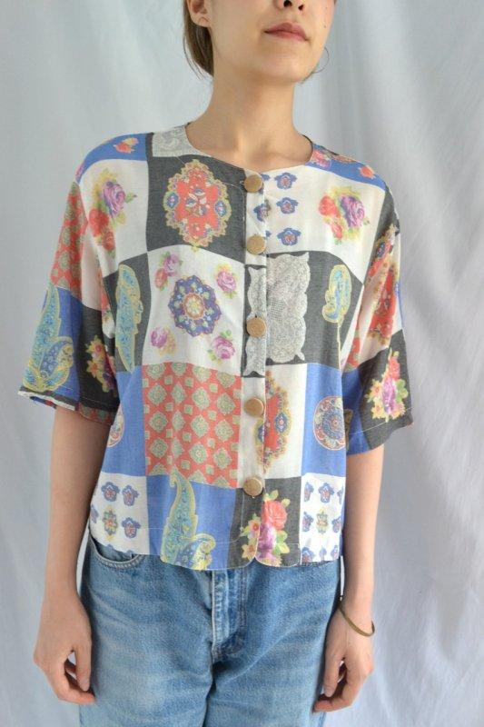 Vintage pattern wood button blouse