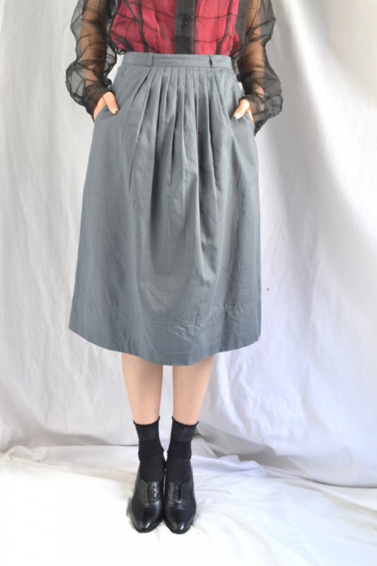 <img class='new_mark_img1' src='https://lara-vintage.shop-pro.jp/img/new/icons8.gif' style='border:none;display:inline;margin:0px;padding:0px;width:auto;' />Vintage grey color tuck design cotton skirt