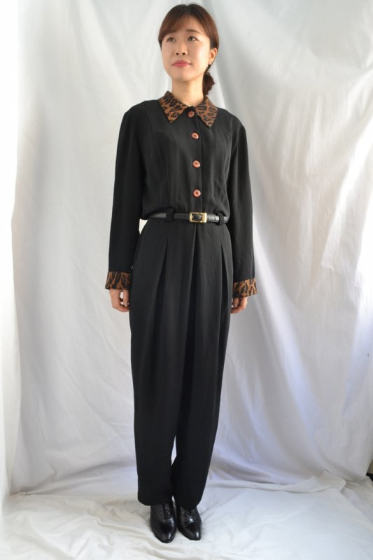 <img class='new_mark_img1' src='https://lara-vintage.shop-pro.jp/img/new/icons50.gif' style='border:none;display:inline;margin:0px;padding:0px;width:auto;' />Leopard pattern collar ��cuffs vintage jump suit