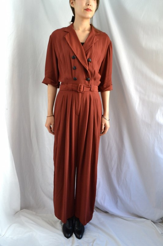 <img class='new_mark_img1' src='https://lara-vintage.shop-pro.jp/img/new/icons50.gif' style='border:none;display:inline;margin:0px;padding:0px;width:auto;' />Vintage terracotta color jump suit