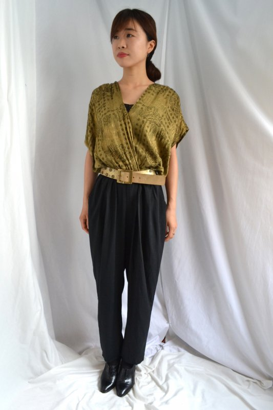 <img class='new_mark_img1' src='https://lara-vintage.shop-pro.jp/img/new/icons50.gif' style='border:none;display:inline;margin:0px;padding:0px;width:auto;' />Vintage ocher color design jump suit